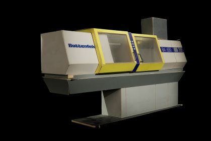 2_Battenfeld Injection molding machine.jpg